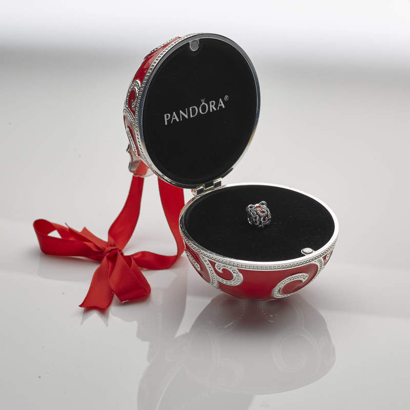 PANDORA Jewelry Holiday Charm and Ornament