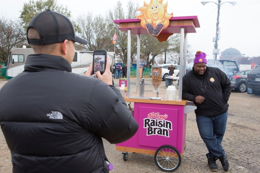 Kellogg's Raisin Bran® Teamed Up With Retired Chicago Football Player to Bring Breakfast toFans